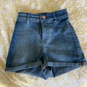 H&M High Waisted Jean Shorts Size 4 (runs small)